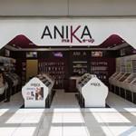 Anika make-up